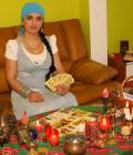 Maestra magiei albe, vrăjitoarea Larisa Maria