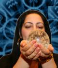 Celebra specialistă în magie, astrologie şi dezlegări de blesteme Mariela