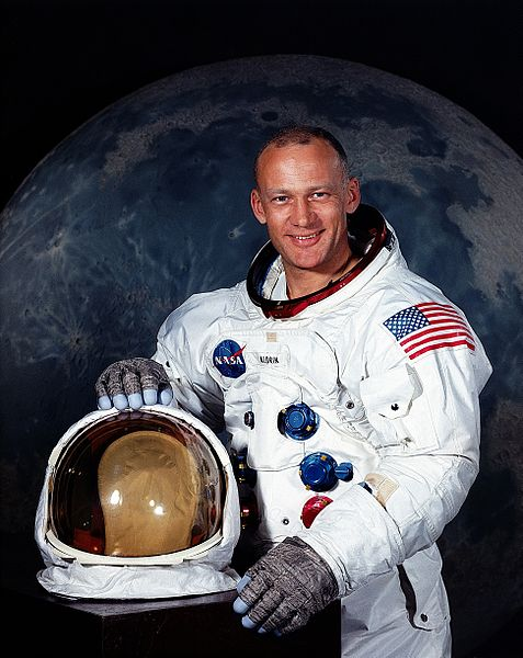 Buzz Aldrin, sursa NASA, Wikipedia.