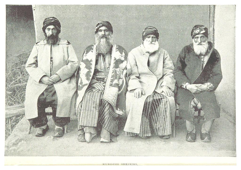 Şeici kurzi fotografiaţi în 1895. British Library HMNTS. Sursă Wikipedia.