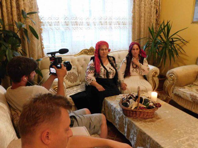 tamaduitoarea Somna Valentina si vrajitoarea Elena Minodora