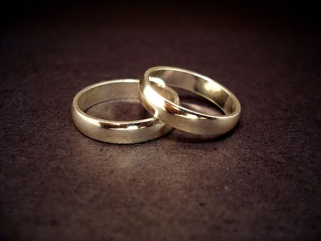 Avorturi şi căsătorii