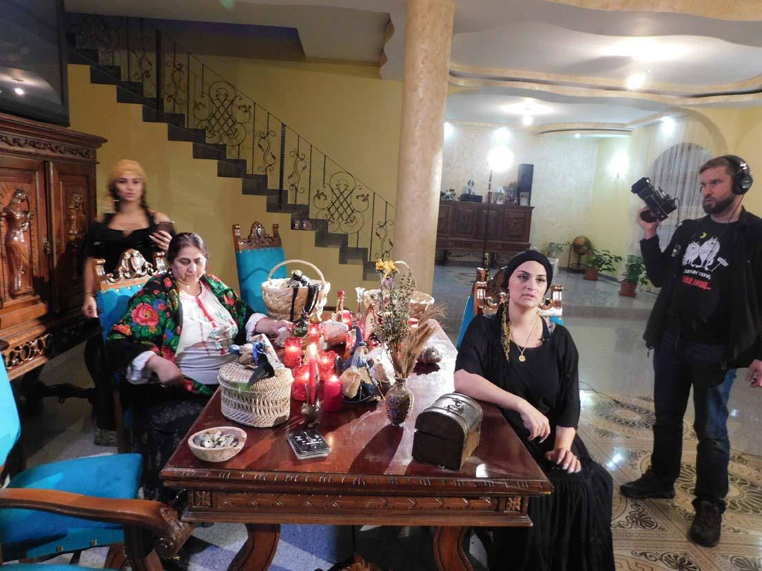 Regina magiei negre Morgana a filmat cu jurnaliștii ruși de la TVC Moscova