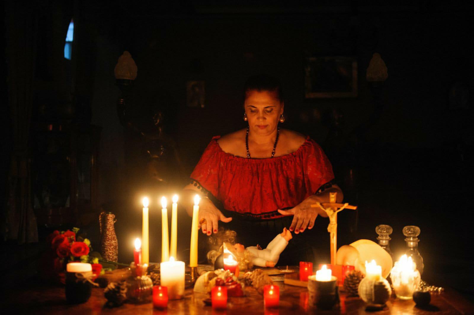 Mulţumiri din Spania pentru vrăjitoarea Aurelia Ardeleanca