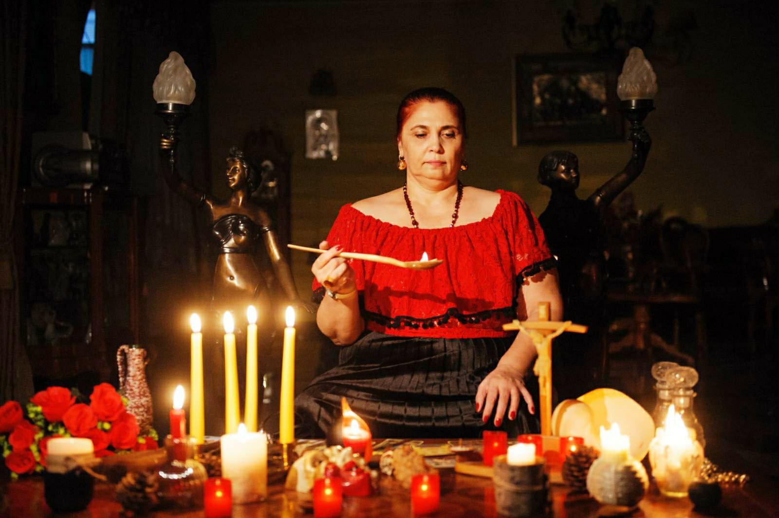 Mulţumiri din Spania şi Danemarca pentru vrăjitoarea Aurelia Ardeleanca