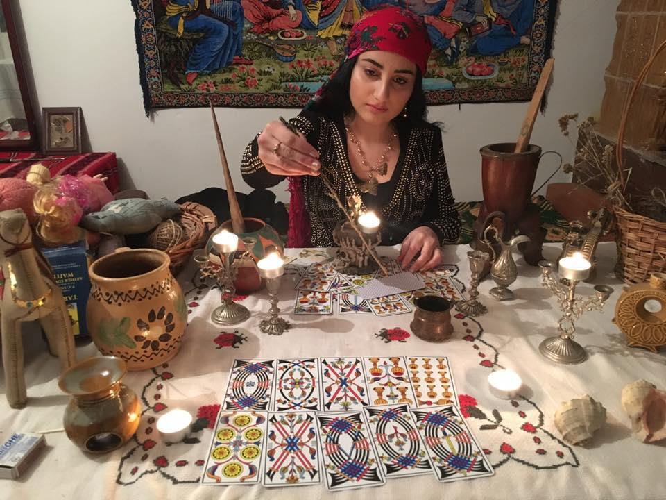 Mulţumiri pentru vrăjitoarea Cristina din Italia, Venezuela și Spania