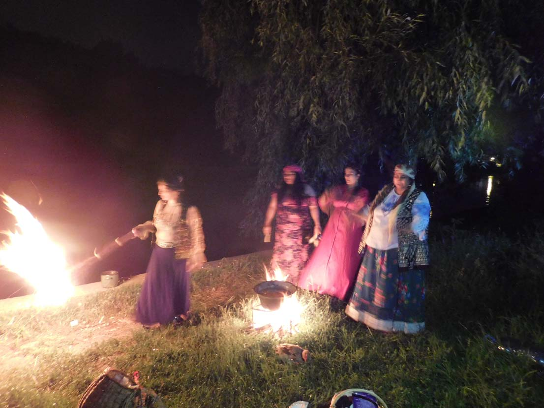 Ritual de noapte excepțional oferit de vrăjitoarea Morgana pentru televiziunea din Moscova
